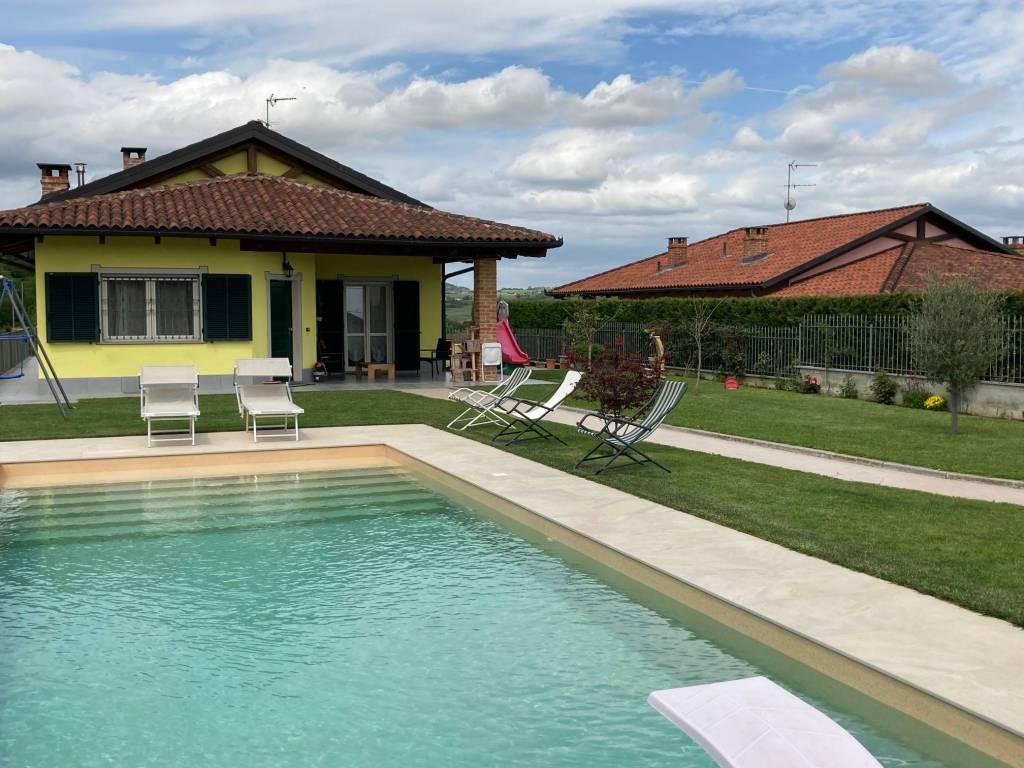 Foto 1 di Villa via Statale 15, Castell'alfero