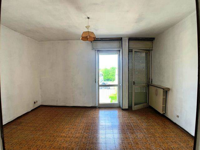 Appartamento in buone condizioni in vendita Rif. 8465395
