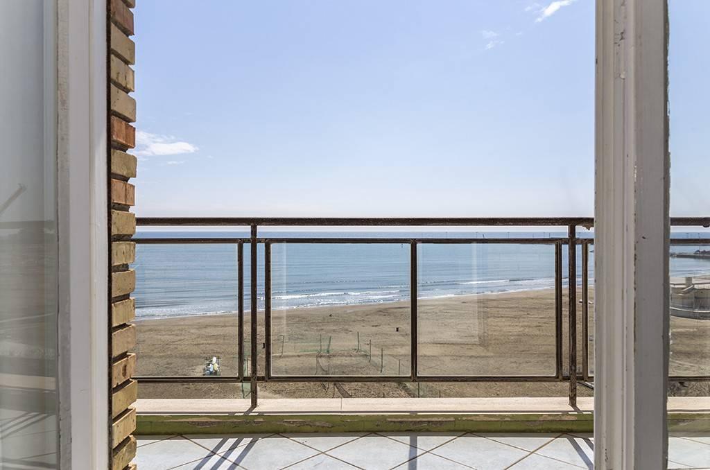 Appartamento in vendita a Anzio, 5 locali, prezzo € 590.000 | CambioCasa.it