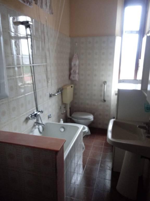 Appartamento in vendita a Varano Borghi, 3 locali, prezzo € 48.000 | PortaleAgenzieImmobiliari.it