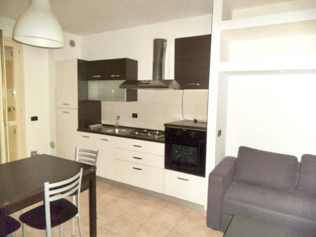 Appartamento in ottime condizioni arredato in vendita Rif. 8936292