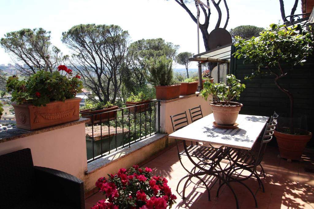 Villa in vendita a Roma, 5 locali, prezzo € 480.000   CambioCasa.it
