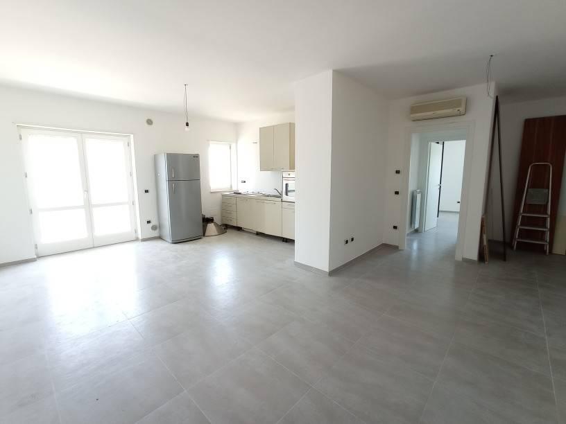 Appartamento in vendita a Lizzanello, 4 locali, prezzo € 145.000 | PortaleAgenzieImmobiliari.it