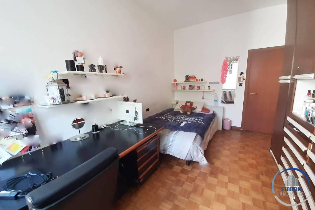 Stanza / posto letto in affitto Rif. 8778619