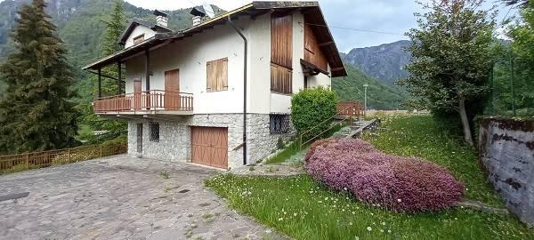 Villa in vendita a Cornalba, 7 locali, prezzo € 260.000   PortaleAgenzieImmobiliari.it