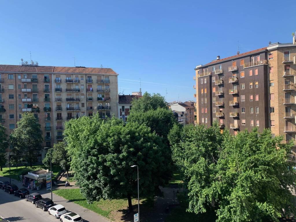 Appartamento in ottime condizioni arredato in affitto Rif. 7611425