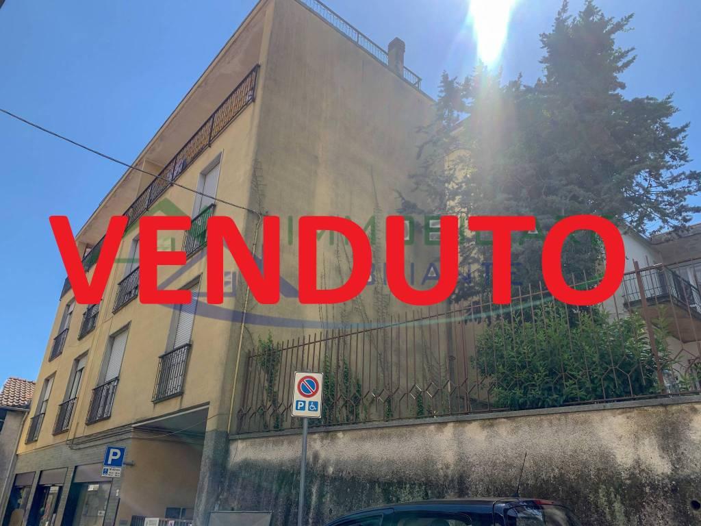 Appartamento in vendita a Somma Lombardo, 3 locali, prezzo € 55.000   CambioCasa.it