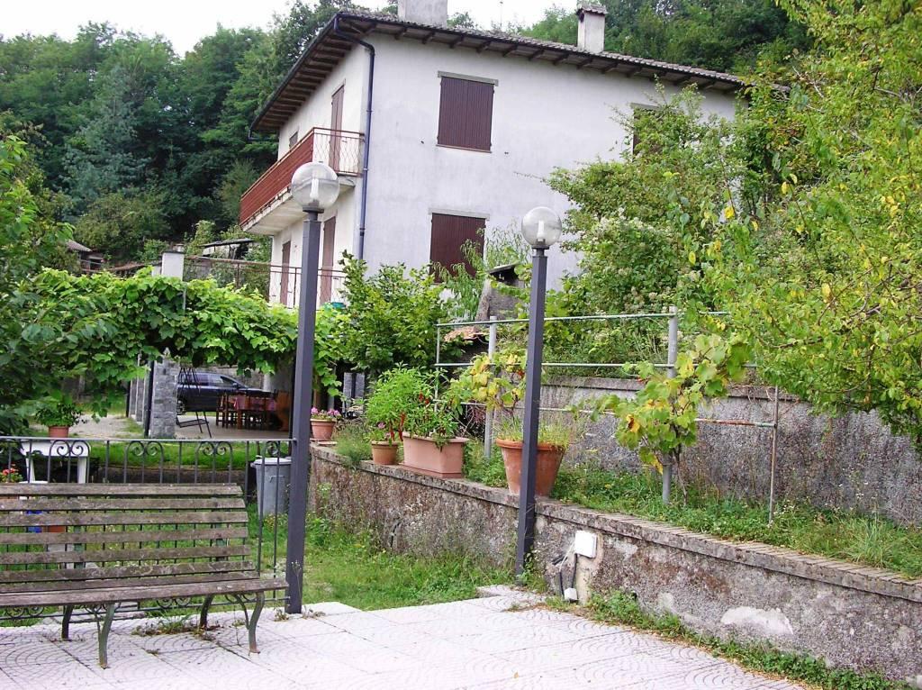 Foto 1 di Villa Località Cheirasca 40, frazione Pratolungo, Gavi