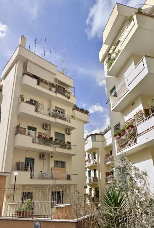 Appartamento in vendita a Roma, 2 locali, zona Zona: 24 . Gianicolense - Colli Portuensi - Monteverde, prezzo € 369.000   CambioCasa.it