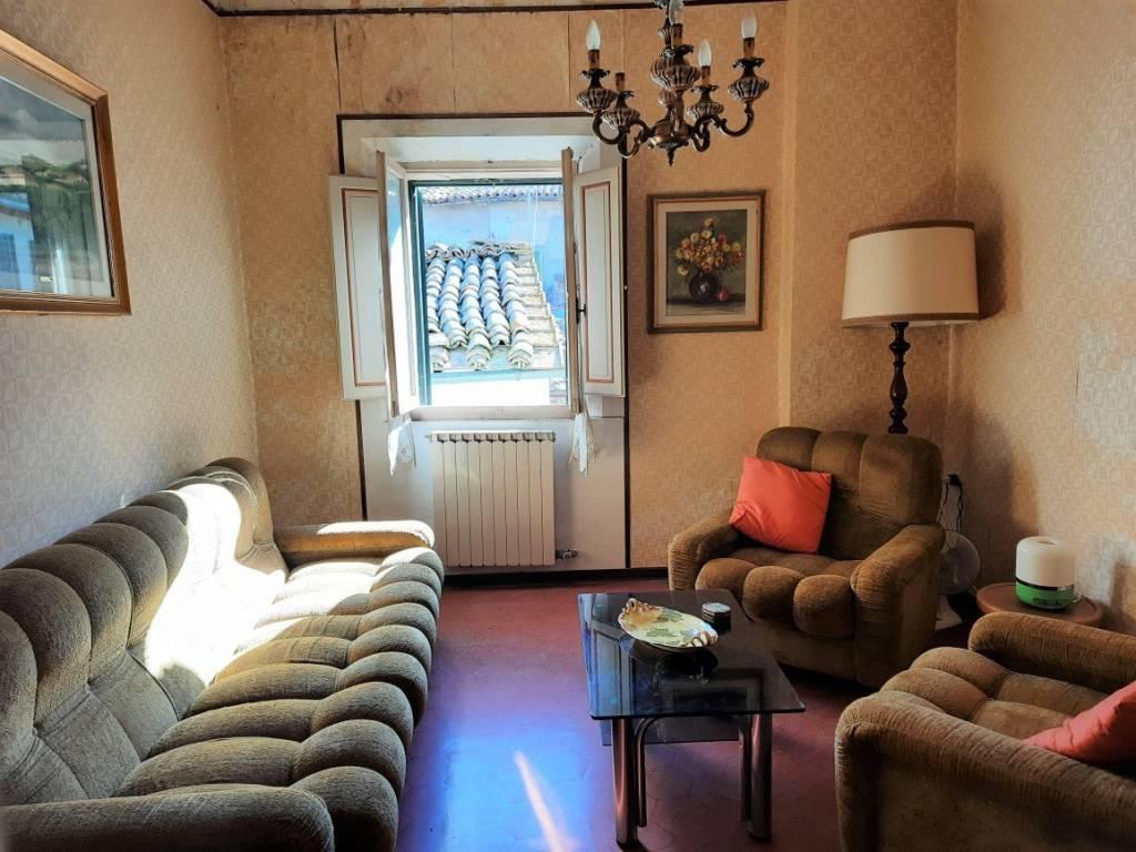 Appartamento da ristrutturare in vendita Rif. 7909407