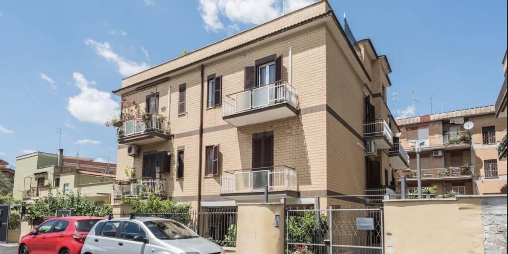 Appartamento in vendita a Roma, 3 locali, zona Zona: 35 . Setteville - Casalone - Acqua Vergine, prezzo € 167.000   CambioCasa.it
