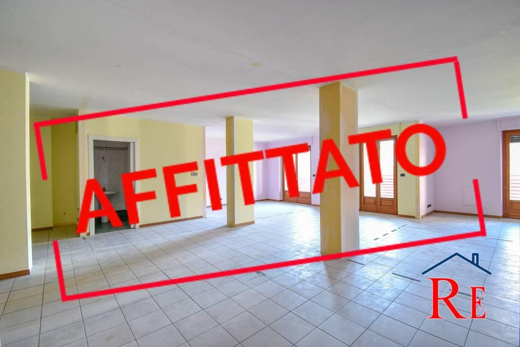 Ufficio / Studio in affitto a Pinerolo, 2 locali, prezzo € 1.200 | CambioCasa.it