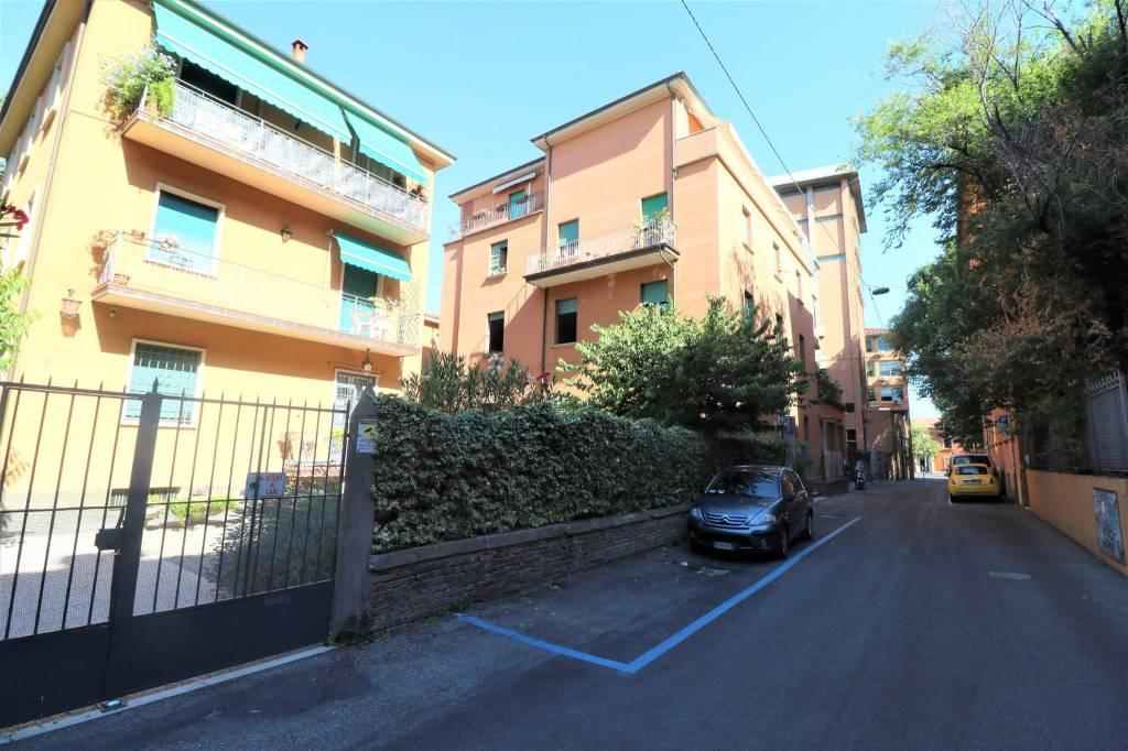 Appartamento in vendita a Bologna, 6 locali, zona San Vitale, prezzo € 545.000 | PortaleAgenzieImmobiliari.it