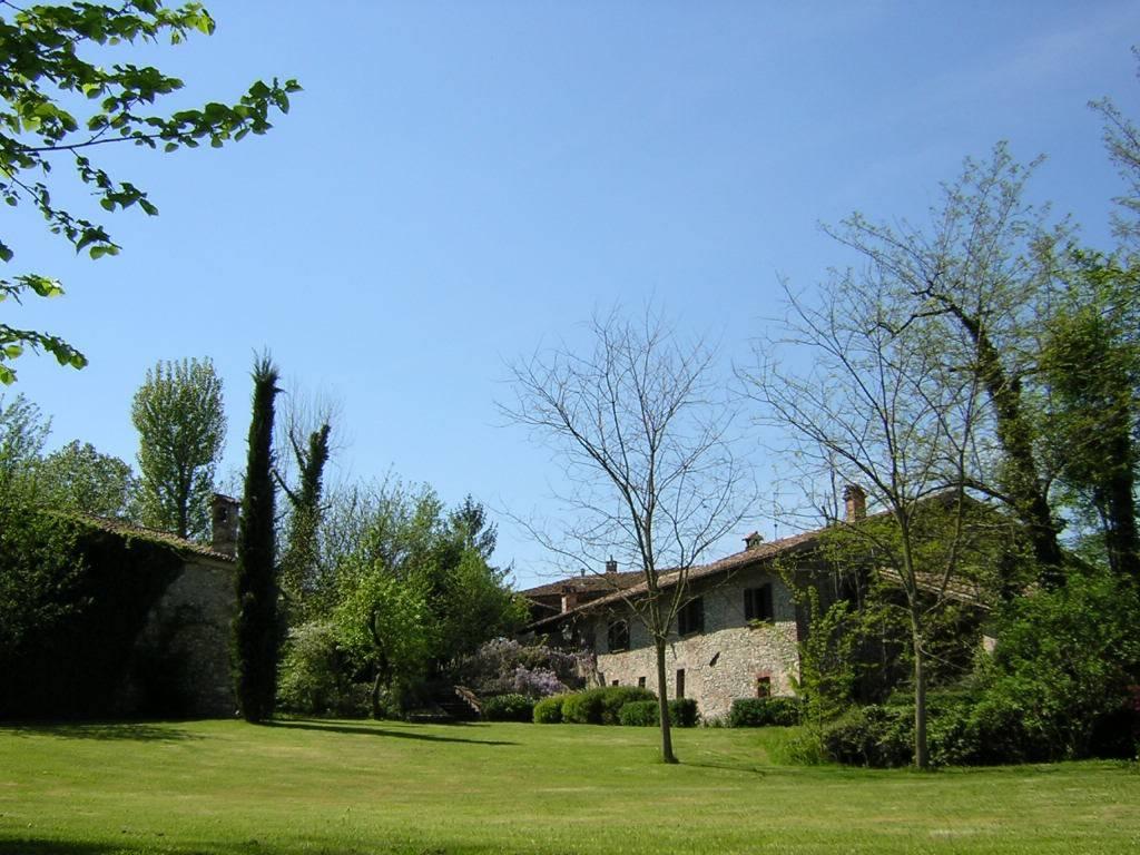 Rustico / Casale in vendita a Borgonovo Val Tidone, 10 locali, prezzo € 780.000   CambioCasa.it