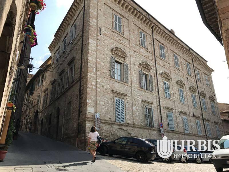 Appartamento in vendita a Assisi, 2 locali, prezzo € 160.000 | CambioCasa.it