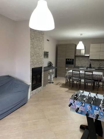 Appartamento in ottime condizioni arredato in vendita Rif. 4833005