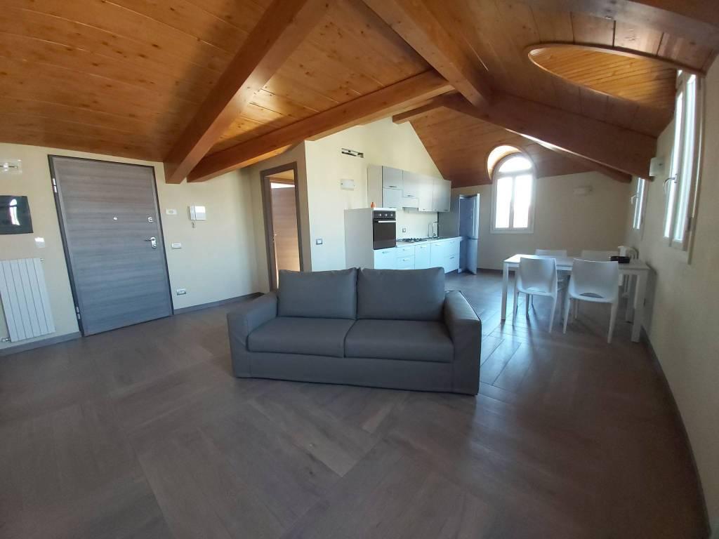 Attico / Mansarda in affitto a Borgomanero, 2 locali, prezzo € 550   PortaleAgenzieImmobiliari.it