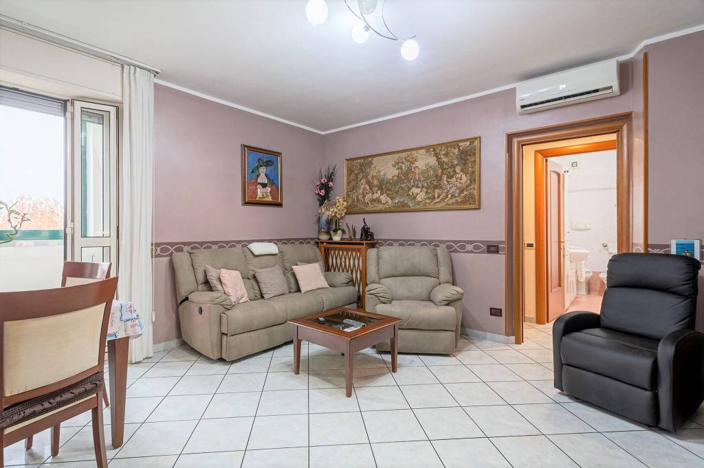 Appartamento in vendita a Bollate, 4 locali, prezzo € 195.000   PortaleAgenzieImmobiliari.it