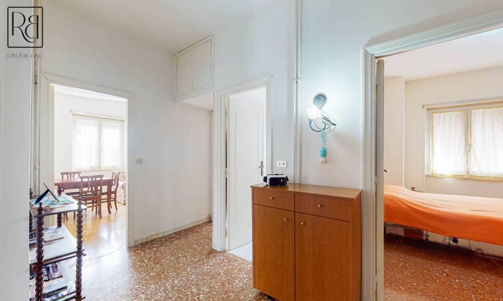 Appartamento in vendita a Roma, 2 locali, prezzo € 199.000 | CambioCasa.it