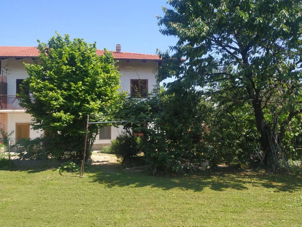 Rustico / Casale in buone condizioni in vendita Rif. 9395661