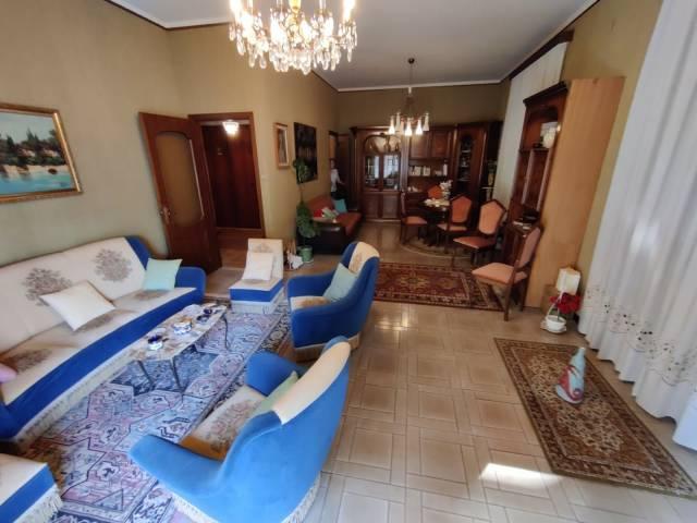 Appartamento in buone condizioni in vendita Rif. 4835018