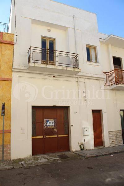 Casa indipendente in Vendita a Tuglie Centro: 5 locali, 142 mq