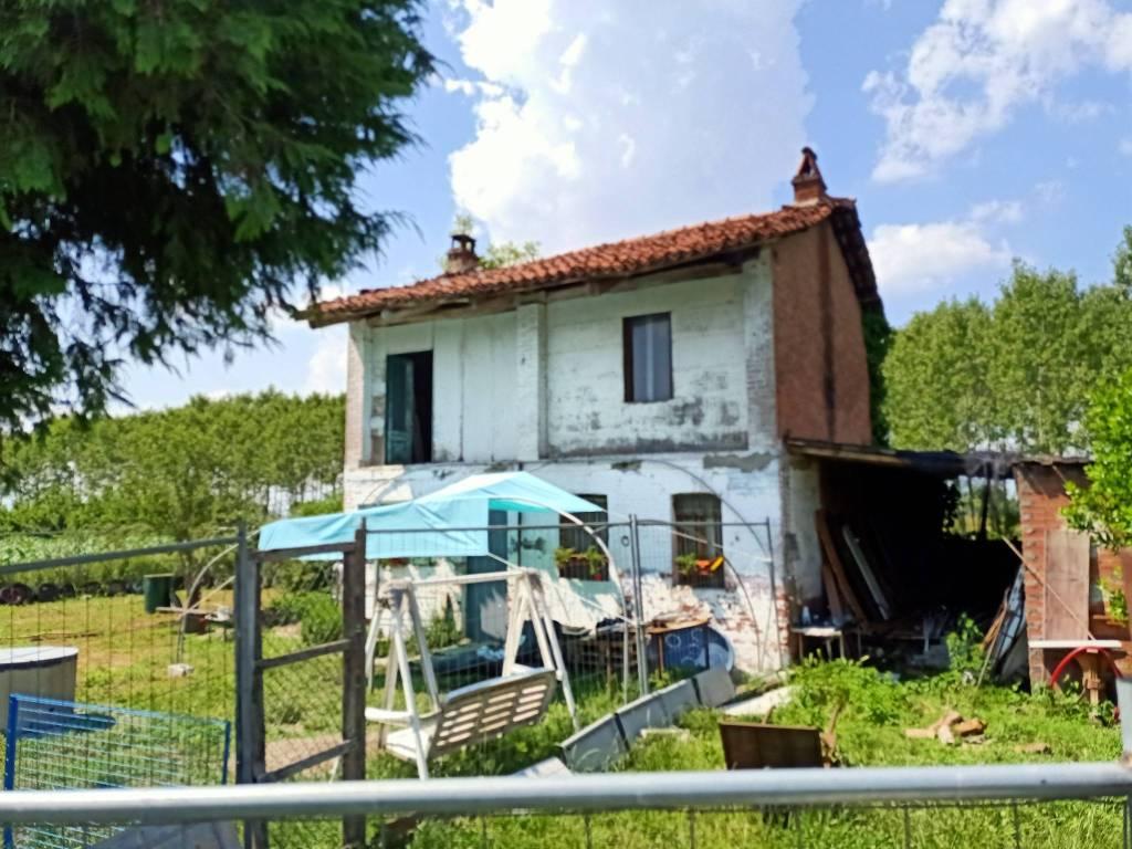 Rustico / Casale in vendita a La Loggia, 4 locali, prezzo € 55.000   PortaleAgenzieImmobiliari.it