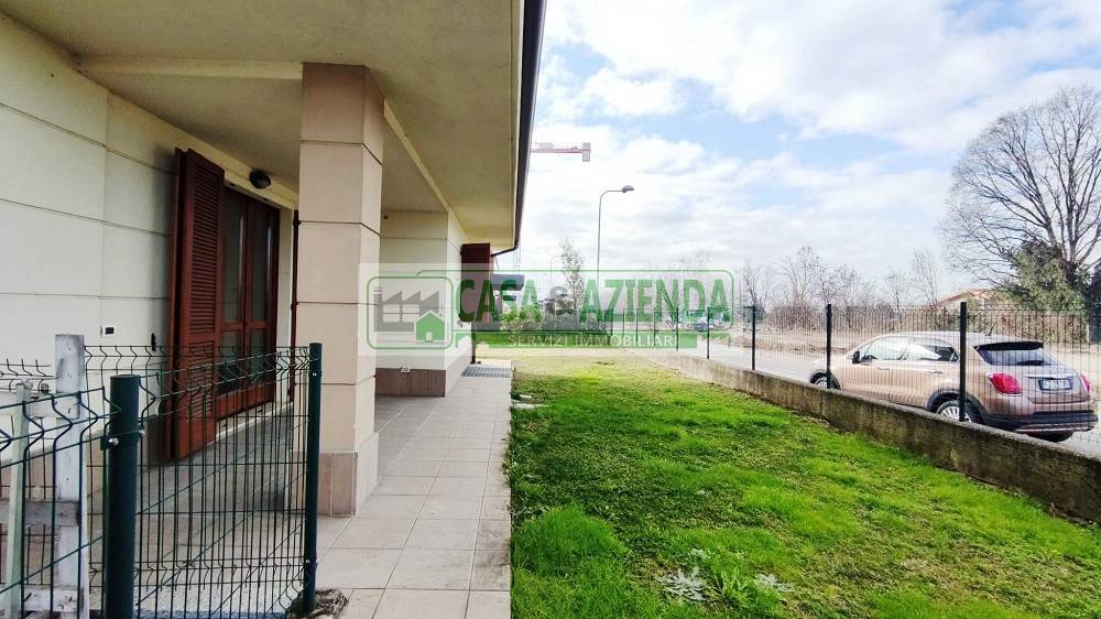 Appartamento in vendita a Inzago, 3 locali, prezzo € 270.000 | CambioCasa.it