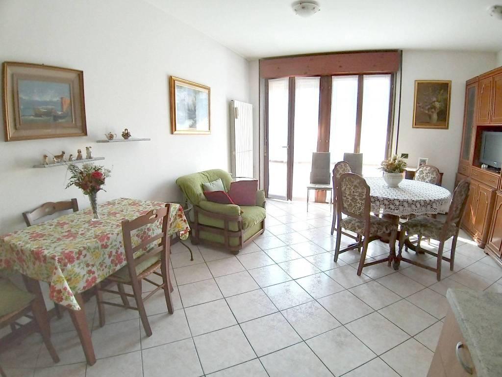 Appartamento in Vendita a Villa Guardia