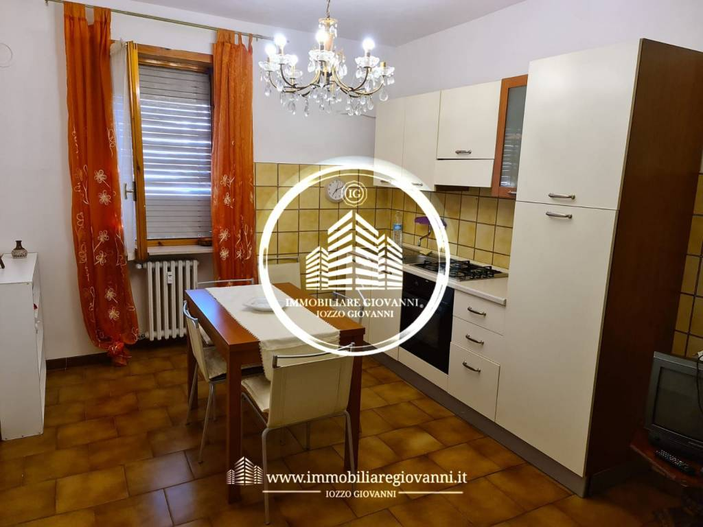 Appartamento in buone condizioni arredato in affitto Rif. 8256421
