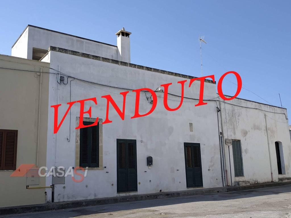 Appartamento in vendita a Uggiano La Chiesa, 4 locali, prezzo € 125.000 | PortaleAgenzieImmobiliari.it