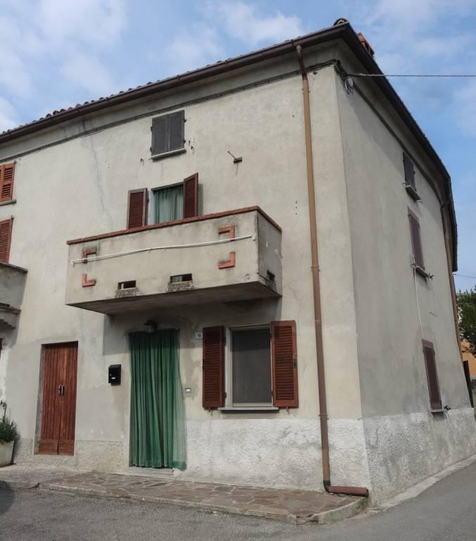 Soluzione Indipendente in vendita a Montecalvo Versiggia, 7 locali, prezzo € 60.000 | PortaleAgenzieImmobiliari.it