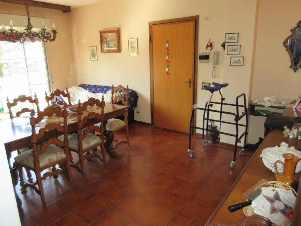 Appartamento in vendita a Pesaro, 4 locali, prezzo € 185.000 | PortaleAgenzieImmobiliari.it