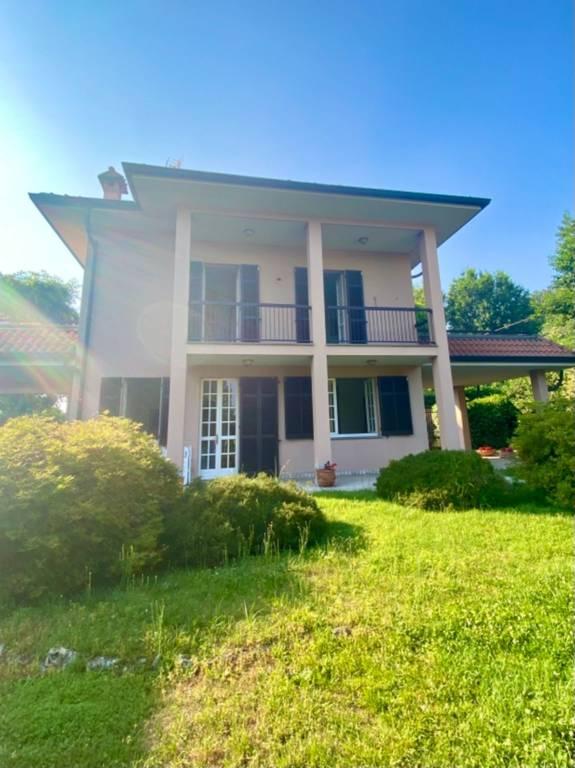 Villa in affitto a Sesto Calende, 5 locali, prezzo € 2.000 | CambioCasa.it