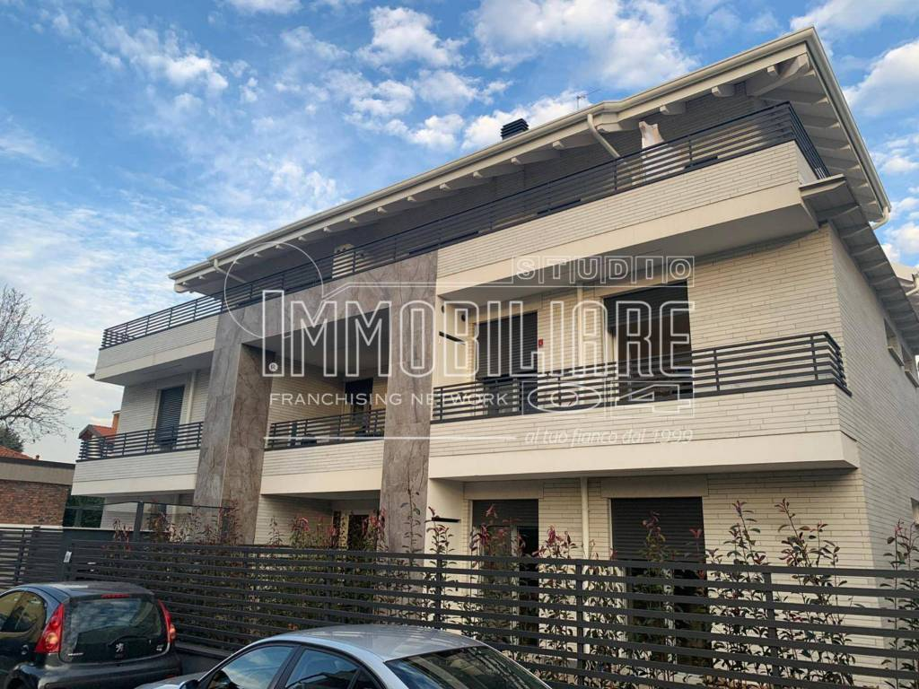 Appartamento in vendita a Cesano Maderno, 3 locali, prezzo € 247.000 | CambioCasa.it