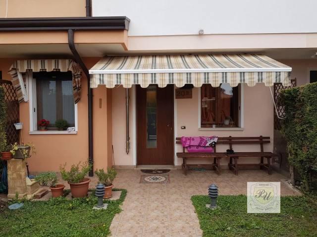 Villa in buone condizioni in vendita Rif. 4268852