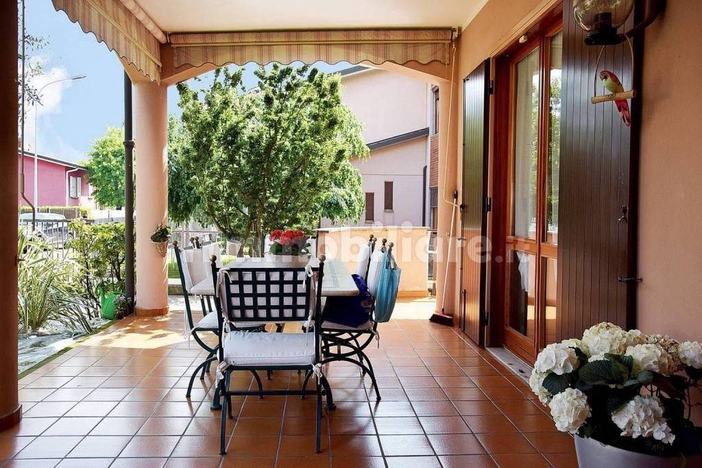 Villa in ottime condizioni in vendita Rif. 9286592