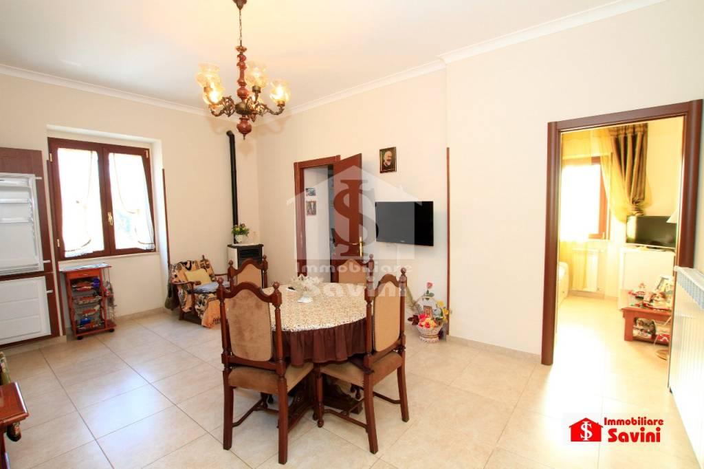 Appartamento in vendita a Genzano di Roma, 3 locali, prezzo € 130.000 | CambioCasa.it