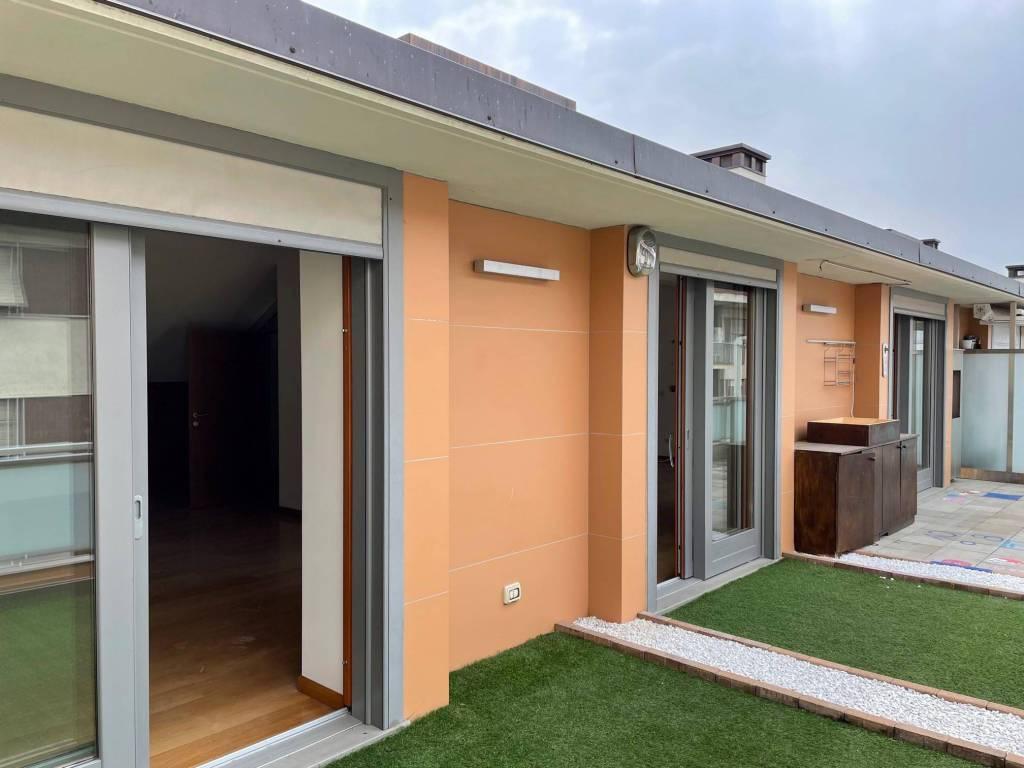 Attico / Mansarda in vendita a Pinerolo, 6 locali, prezzo € 390.000 | CambioCasa.it