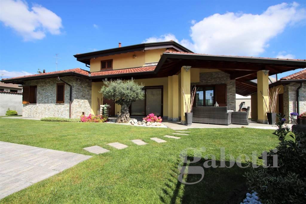 Villa in vendita a Olgiate Olona, 5 locali, prezzo € 539.000 | CambioCasa.it