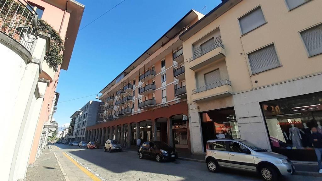 Negozio / Locale in affitto a Sondrio, 2 locali, prezzo € 600 | CambioCasa.it