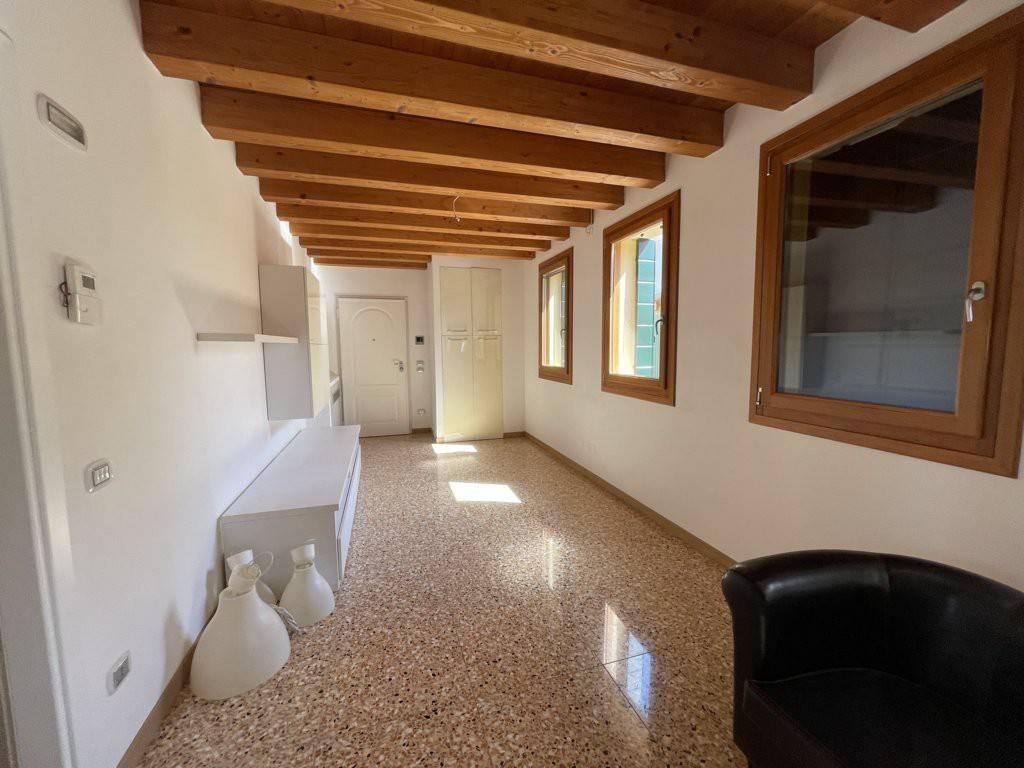 Appartamento in vendita a Dolo, 3 locali, prezzo € 220.000 | CambioCasa.it