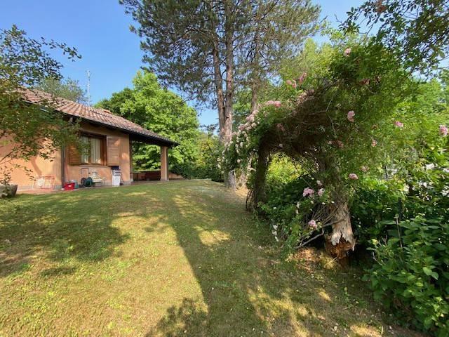 Villa in vendita a Appiano Gentile, 8 locali, prezzo € 690.000 | PortaleAgenzieImmobiliari.it