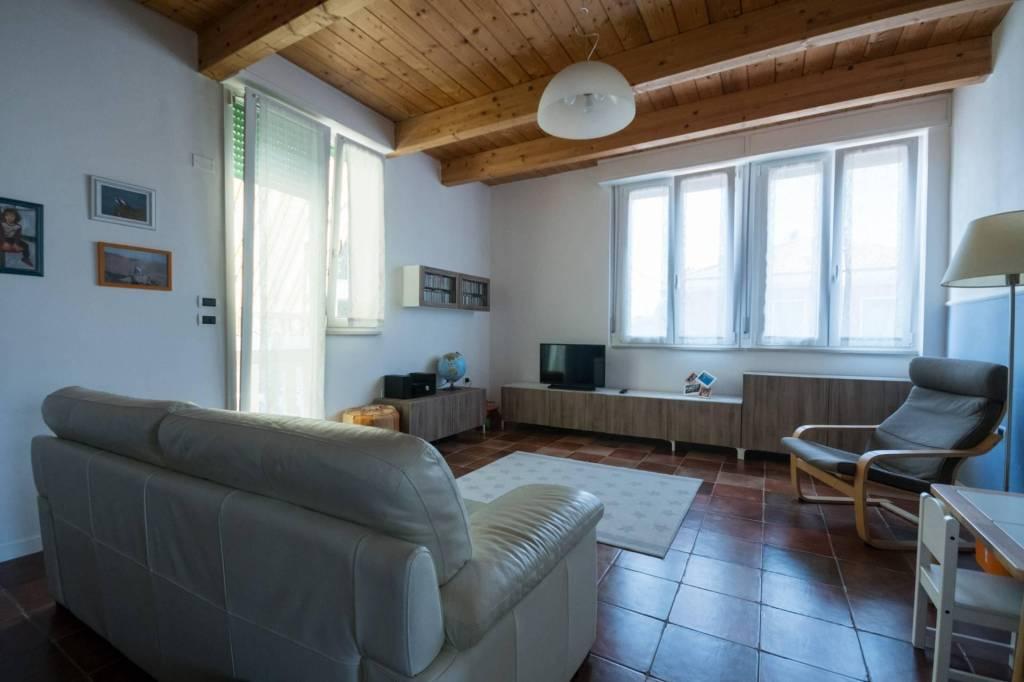 Appartamento in vendita a Pesaro, 3 locali, prezzo € 210.000   CambioCasa.it