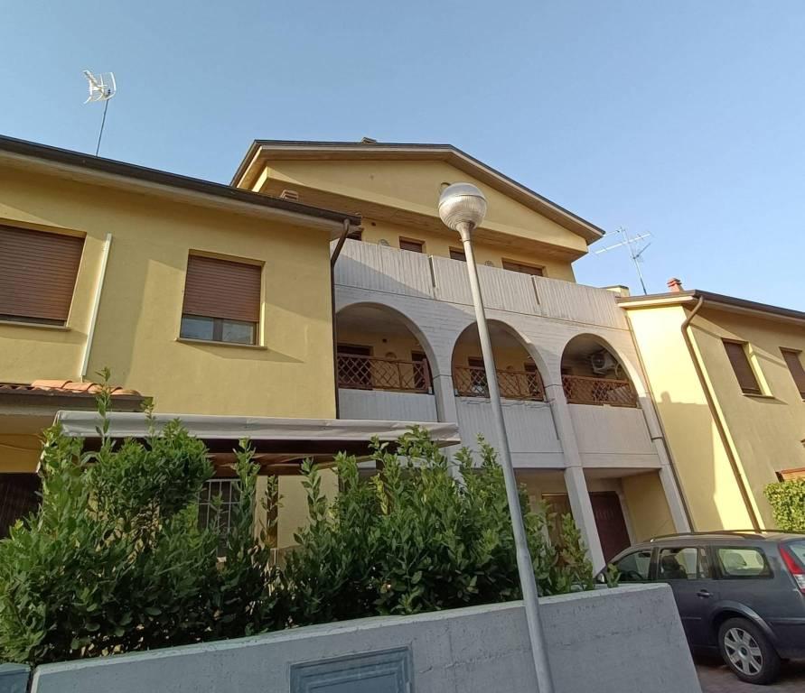Appartamento in vendita a Massa Lombarda, 3 locali, prezzo € 120.000 | PortaleAgenzieImmobiliari.it