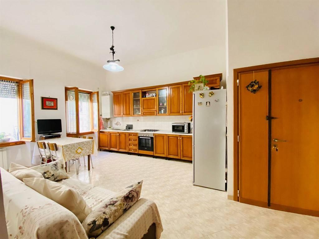 Appartamento in vendita a Colonna, 3 locali, prezzo € 105.000 | CambioCasa.it