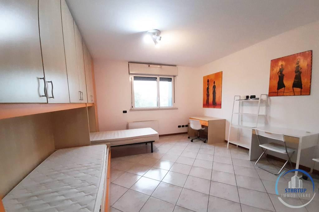 Stanza / posto letto in affitto Rif. 8564243