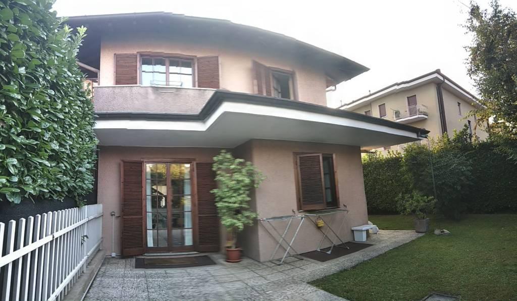 Villa in vendita a Pregnana Milanese, 4 locali, prezzo € 405.000 | PortaleAgenzieImmobiliari.it