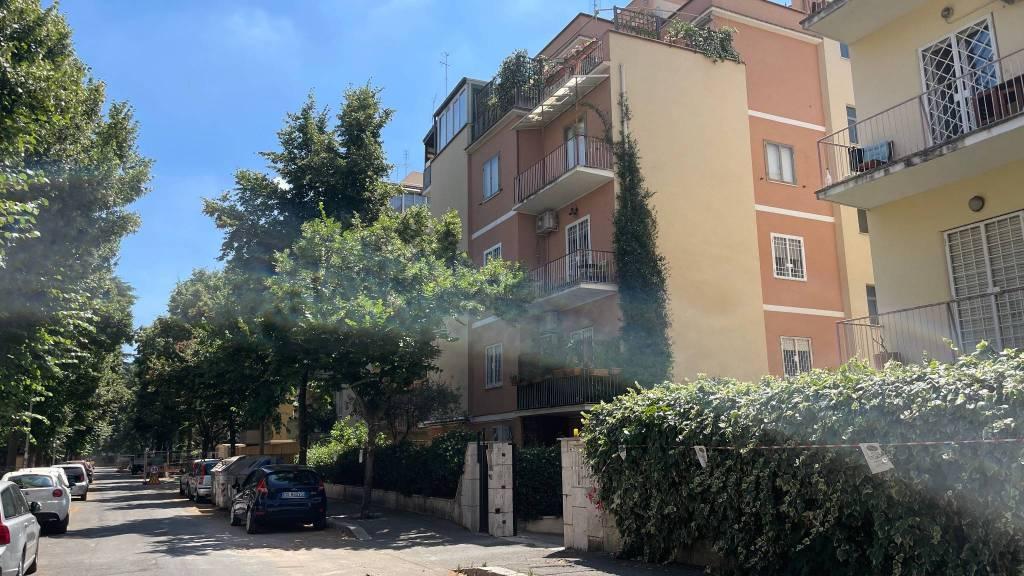 Appartamento in vendita a Roma, 4 locali, prezzo € 398.000   CambioCasa.it