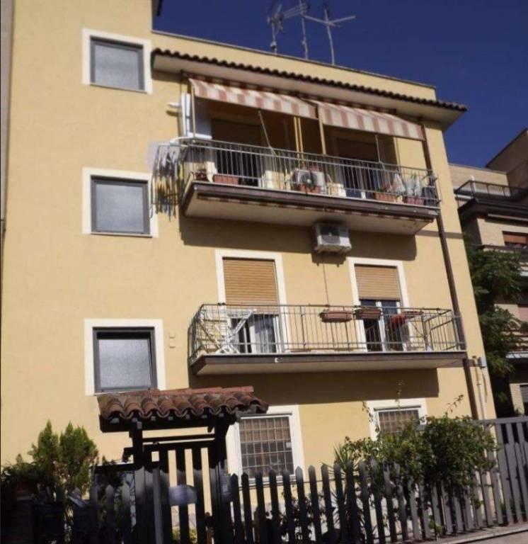 Appartamento in vendita a Roma, 3 locali, zona Zona: 33 . Quarto Casale, Labaro, Valle Muricana, Prima Porta, prezzo € 97.050 | CambioCasa.it